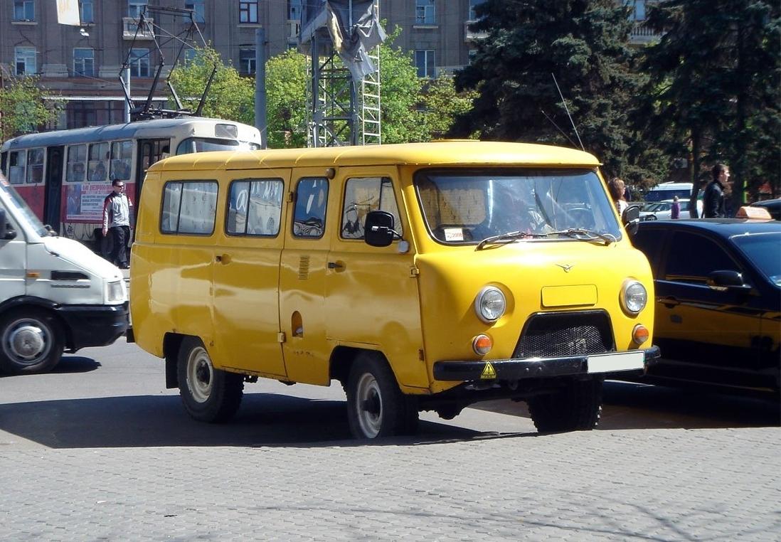 uaz 452 2206 minibus 2 generation 2 4 mt 72 hp bilder. Black Bedroom Furniture Sets. Home Design Ideas